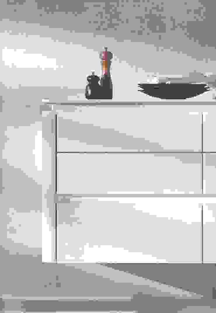 NX501 hoogglanslak Wit Moderne keukens van Eiland de Wild Keukens Modern