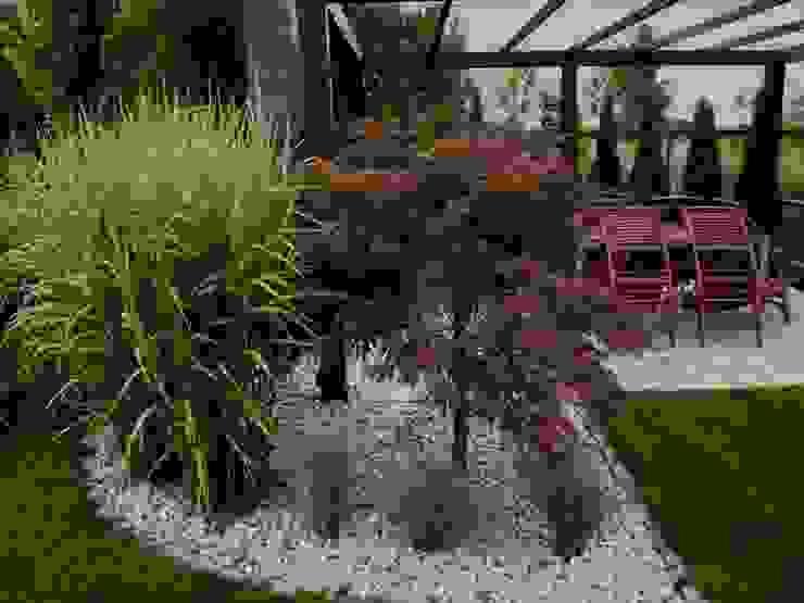 Patio2 Nowoczesny ogród od Green Decor Nowoczesny