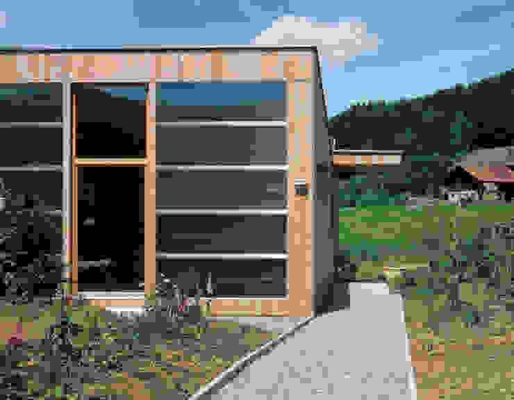 Casas minimalistas de Dietrich Schwarz Architekten AG Minimalista
