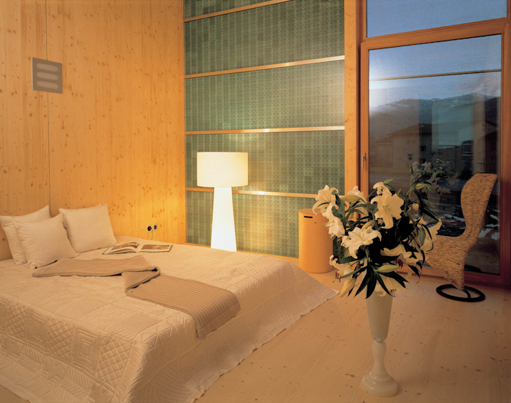 Bedroom by Dietrich Schwarz Architekten AG