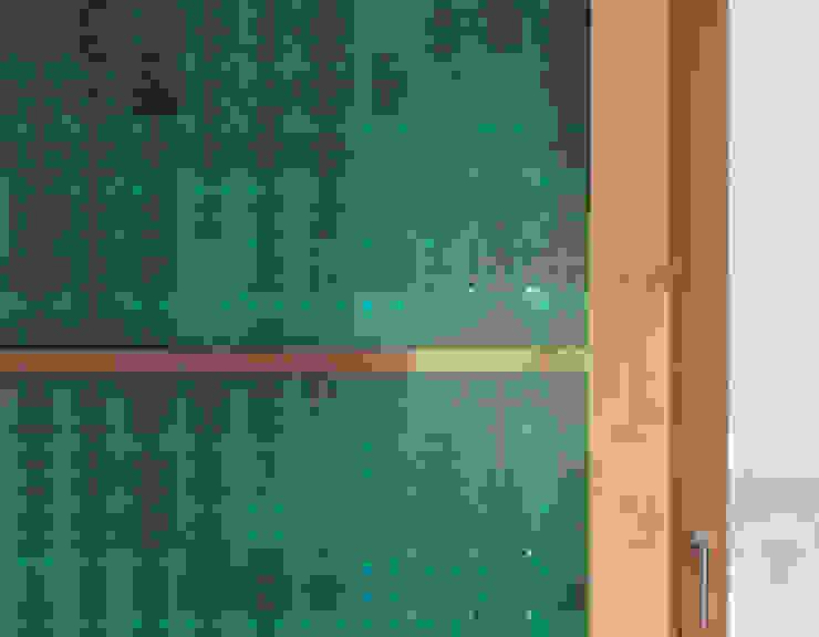 Puertas y ventanas minimalistas de Dietrich Schwarz Architekten AG Minimalista
