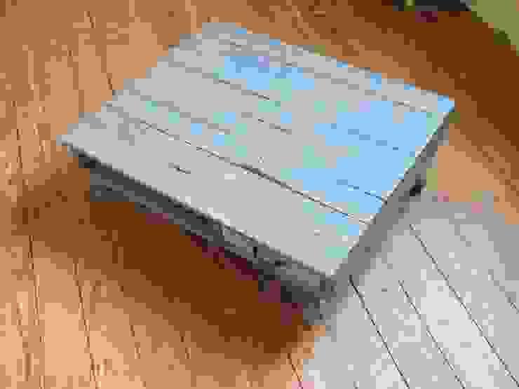 Table basse sur mesure en bois de palette par La Fée rabote Éclectique