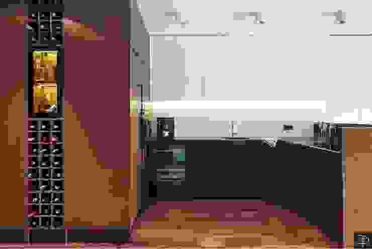 Wielkomiejski eklektyzm: styl , w kategorii Kuchnia zaprojektowany przez Studio Potorska,Eklektyczny