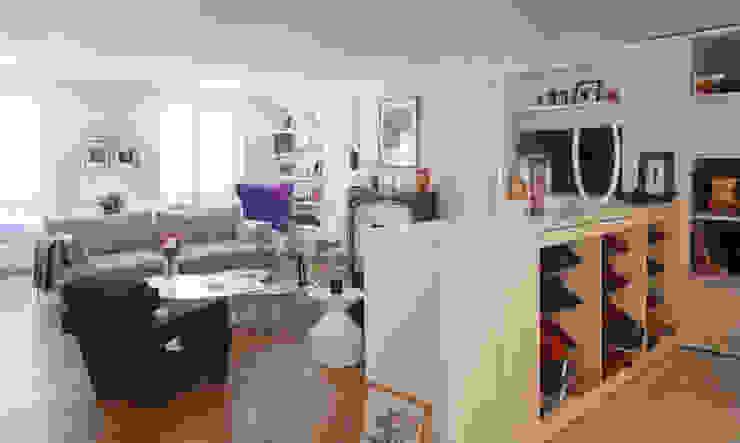 Autour d'une entrée- Paris- 1e Salon moderne par ATELIER FB Moderne