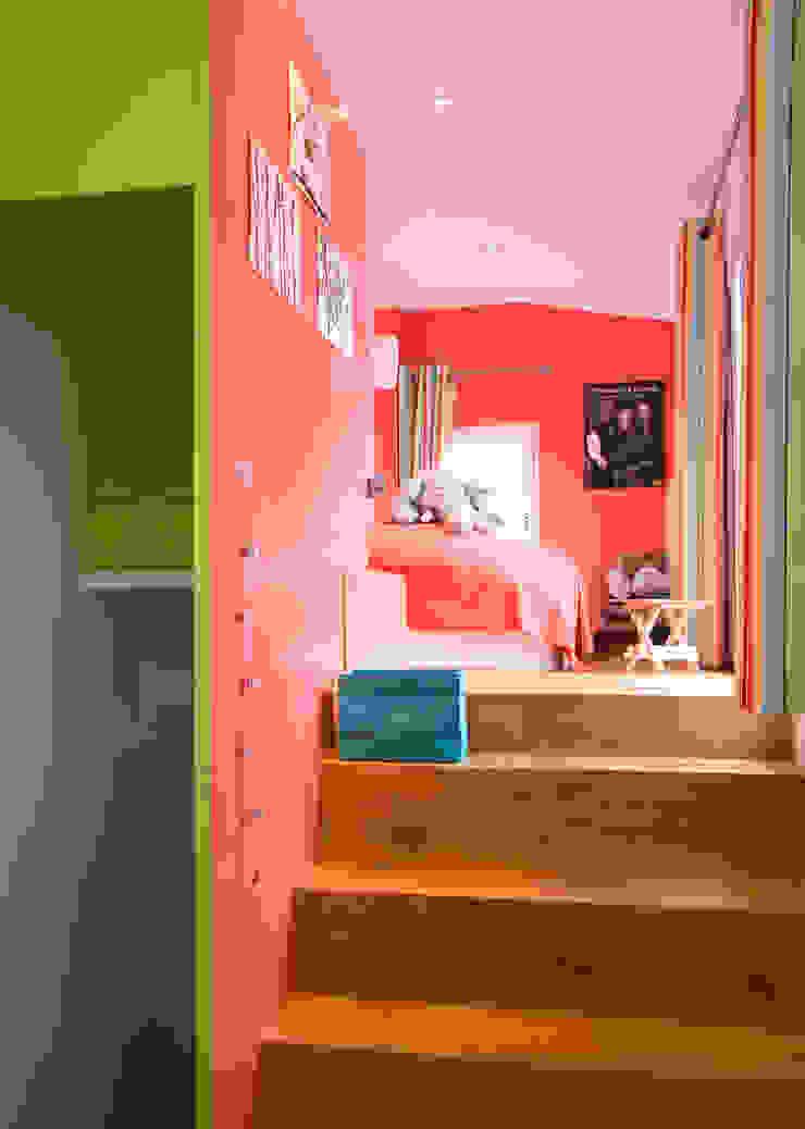 Dormitorios de estilo moderno de ATELIER FB Moderno