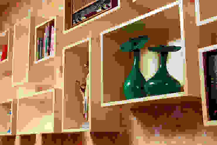 Wandkast Mick: modern  door Marlies van Geenen, Meubelwerkplaats, Modern