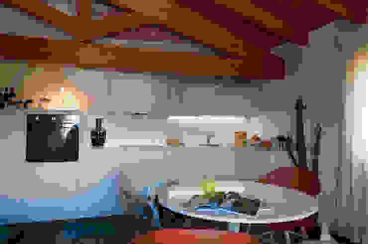 Casa Perla Cucina moderna di Perla Arredamenti Moderno