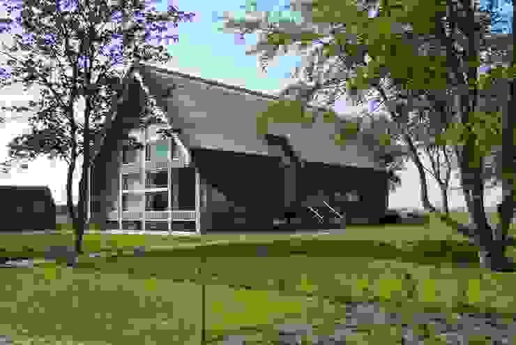 現代房屋設計點子、靈感 & 圖片 根據 Dorenbos Architekten bv 現代風