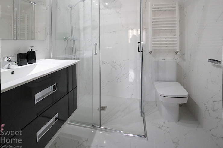 Minimalist style bathroom by Sweet Home Interiorismo Minimalist