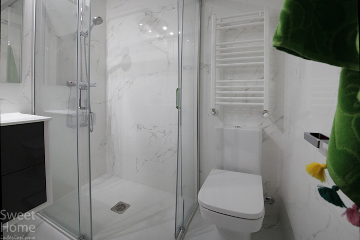Modern Bathroom by Sweet Home Interiorismo Modern