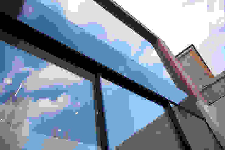 Richmond, London Modern windows & doors by Maxlight Modern