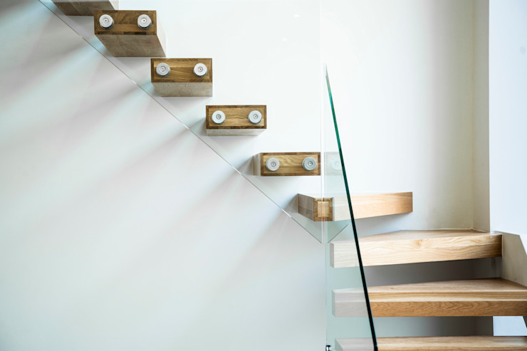 Richmond, London Modern corridor, hallway & stairs by Maxlight Modern