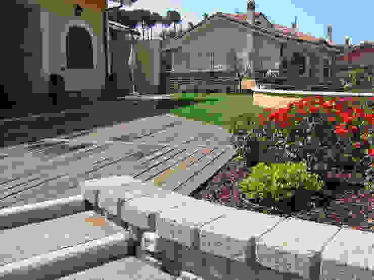 Jardines de estilo moderno de Stefania Lorenzini garden designer Moderno