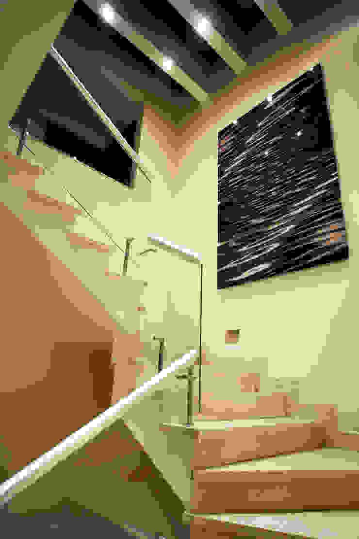 Casa Tecamachalco Pasillos, vestíbulos y escaleras modernos de Concepto Taller de Arquitectura Moderno