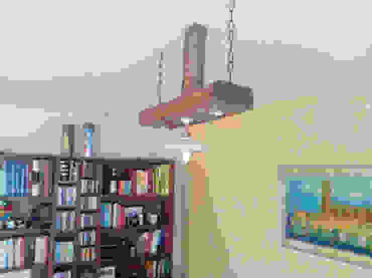 lampara con viga de madera de RECICLA'RT Rústico