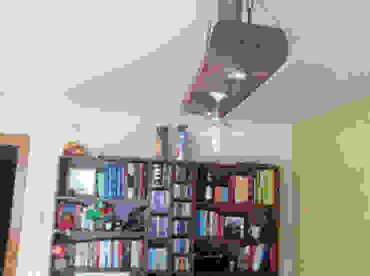 lampara con viga de madera de la casa i lampara restaurada con cadena de forja de RECICLA'RT Rústico