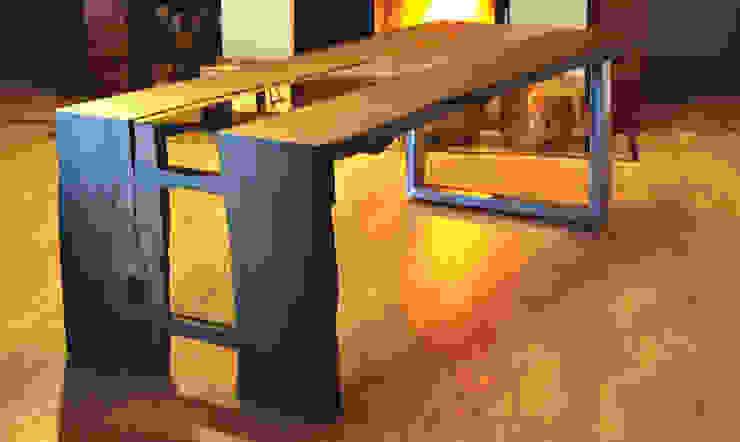 Stół z czarnego dębu od Old Wood Design Rustykalny