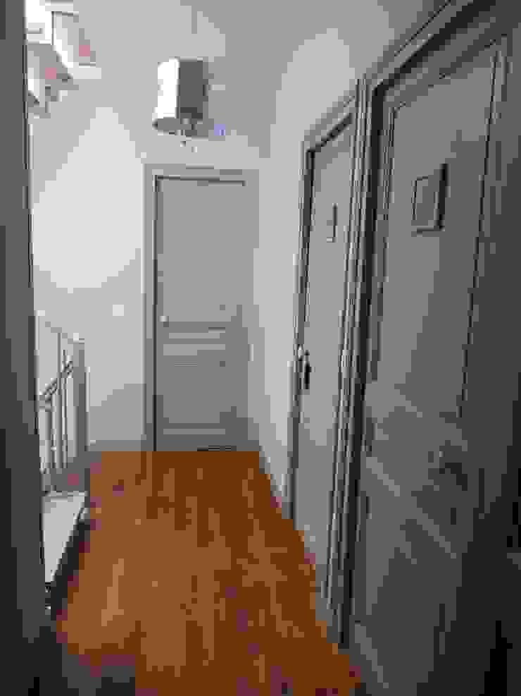 Maison de Famille rénovée agence MGA architecte DPLG Couloir, entrée, escaliers classiques