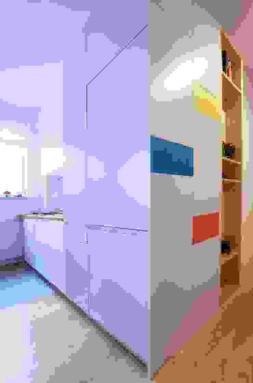 Devangari Design Cocinas de estilo escandinavo