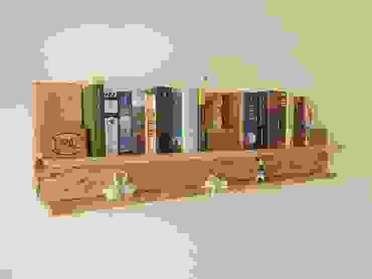 Bücherregal von Palettano Rustikal