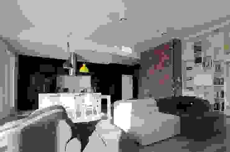 Skandinavische Wohnzimmer von Devangari Design Skandinavisch