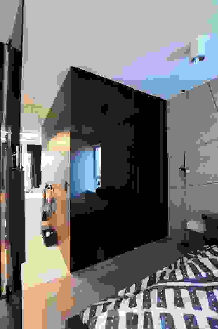 Minimalistische Schlafzimmer von Devangari Design Minimalistisch
