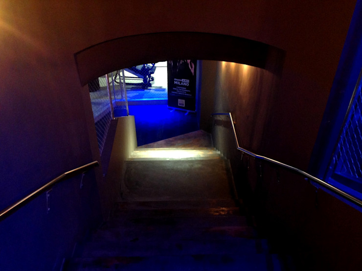 Romano Baratta Lighting Studio industrial style corridor, hallway & stairs