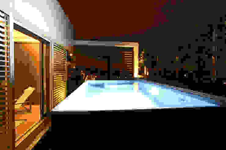 Romano Baratta Lighting Studio Pool