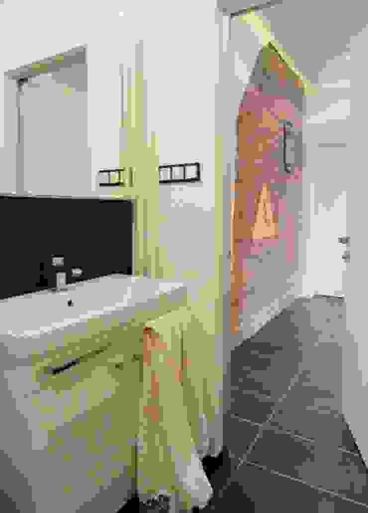 Kamienica na Puławskiej Skandynawska łazienka od Devangari Design Skandynawski
