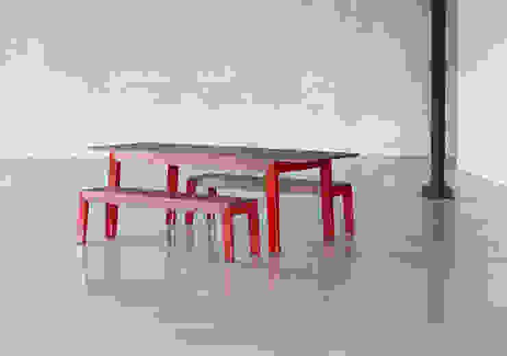 Masina Juhos Design Studio Dining roomTables