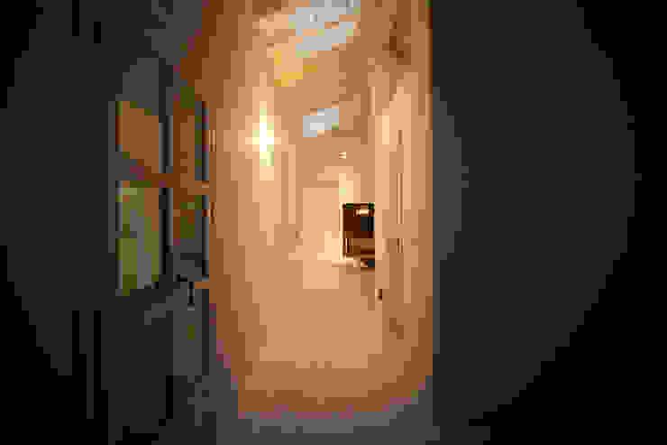 Romano Baratta Lighting Studio Koridor & Tangga Gaya Rustic