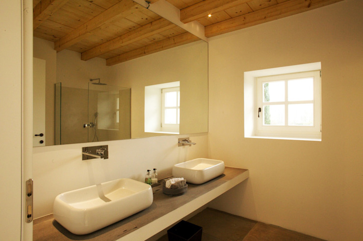 Romano Baratta Lighting Studio Modern Bathroom