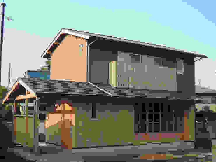 田舎感のある外観 ラスティックな 家 の 篠田 望デザイン一級建築士事務所 ラスティック