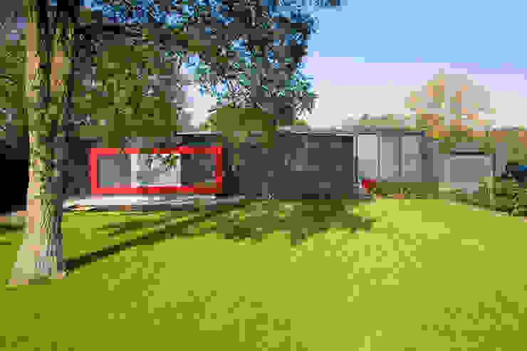 房子 by Dorenbos Architekten bv, 現代風