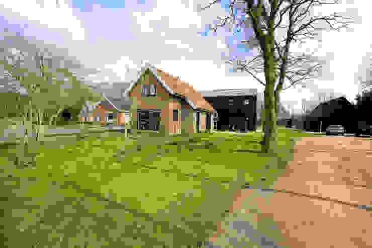 Woning te Aldtsjerk Moderne huizen van Dorenbos Architekten bv Modern