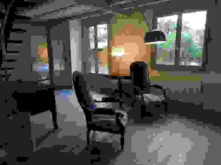 Salon aprés travaux par Clemence de Mierry Grangé Moderne