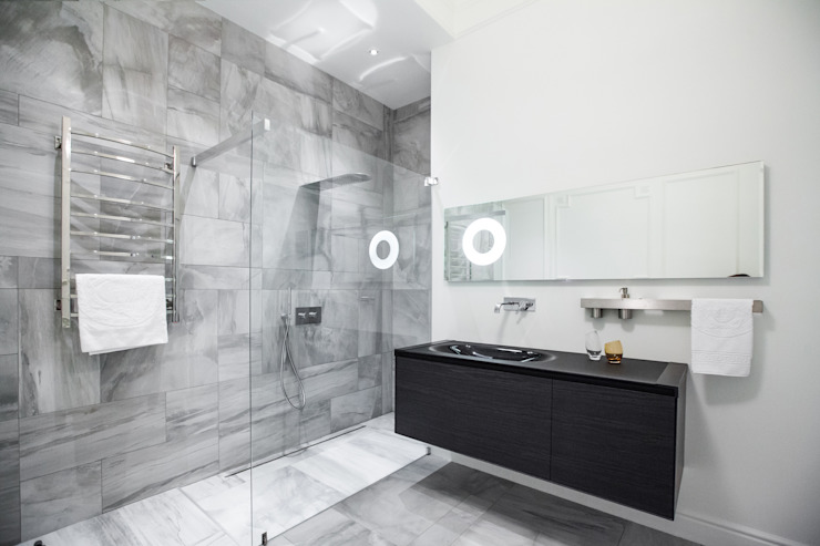Casas de banho  por homify, Eclético