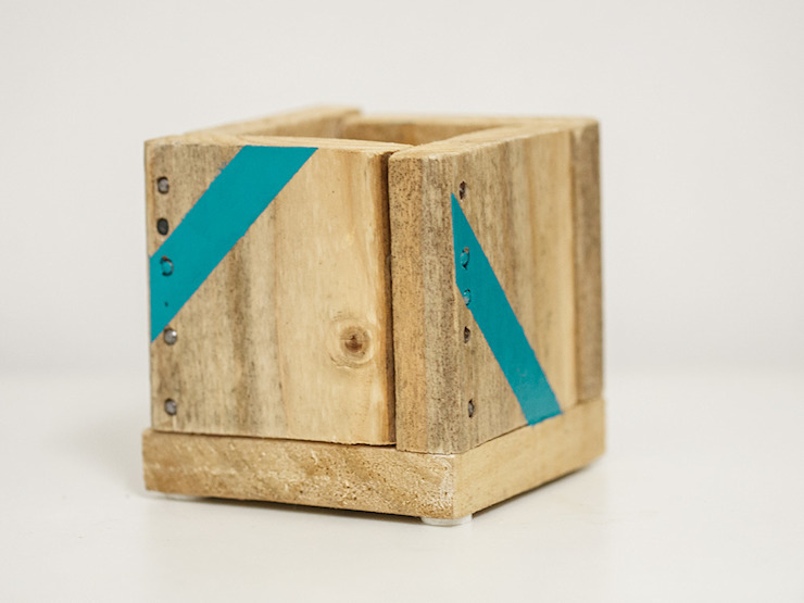 Boîte de rangement en bois fabriqué main par Artodeco Moderne