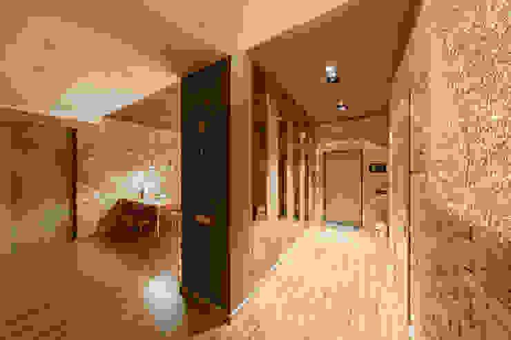 ЛОФТ Коридор, прихожая и лестница в стиле лофт от ООО 'Студио-ТА' Лофт