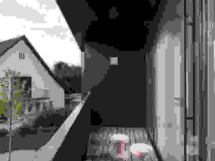 Haus S Moderner Balkon, Veranda & Terrasse von nimmrichter architekten ETH SIA AG Modern