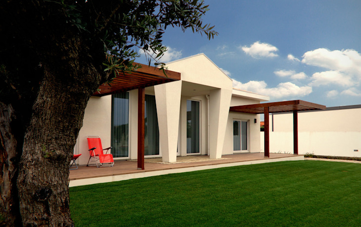 Classic style houses by EVA | evolutionary architecture Classic