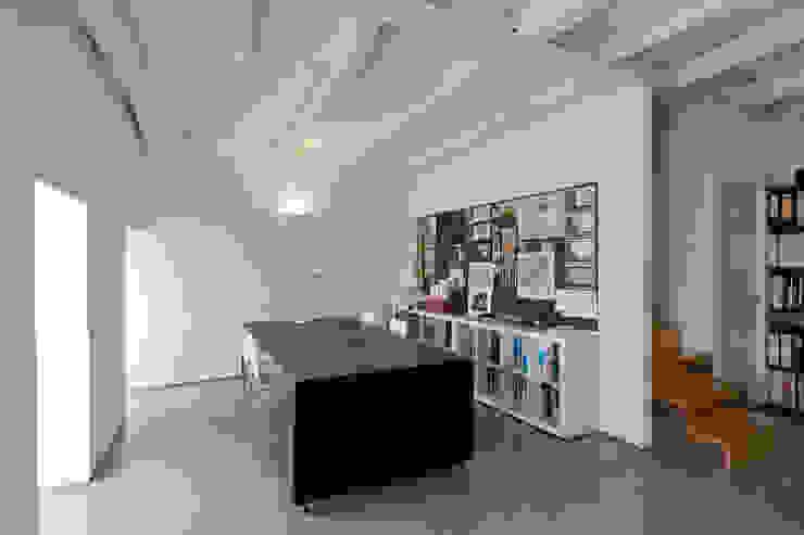 Paulo Freitas e Maria João Marques Arquitectos Lda Study/office