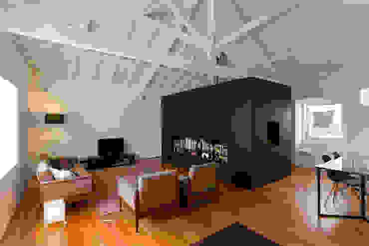 Paulo Freitas e Maria João Marques Arquitectos Lda Living room