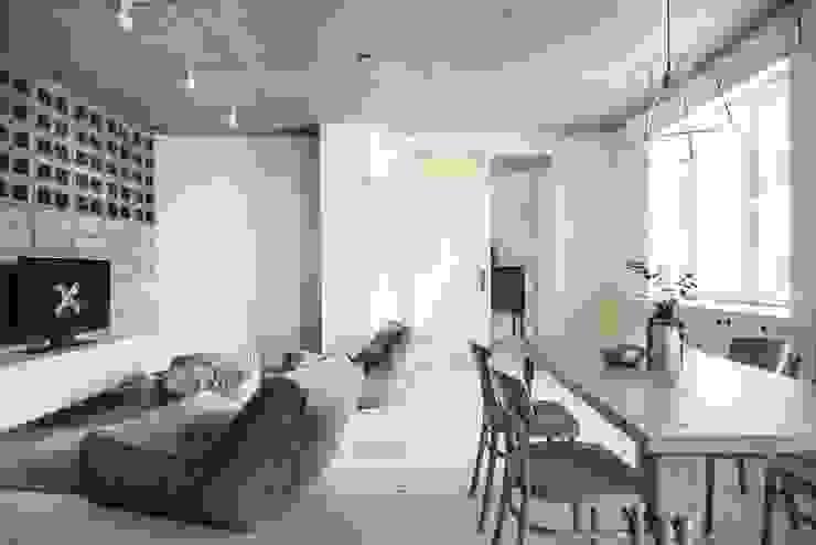 Phòng khách phong cách chiết trung bởi INT2architecture Chiết trung