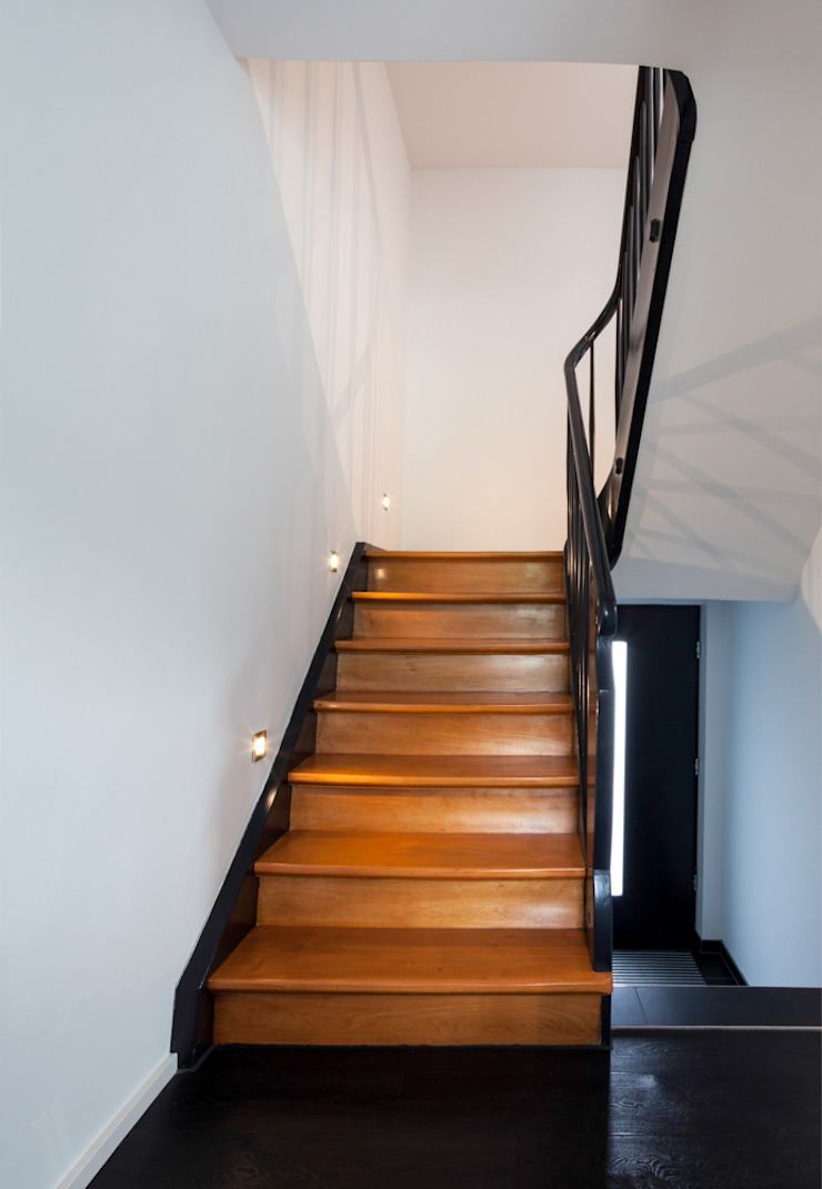 p-s-foto.de Classic style corridor, hallway and stairs