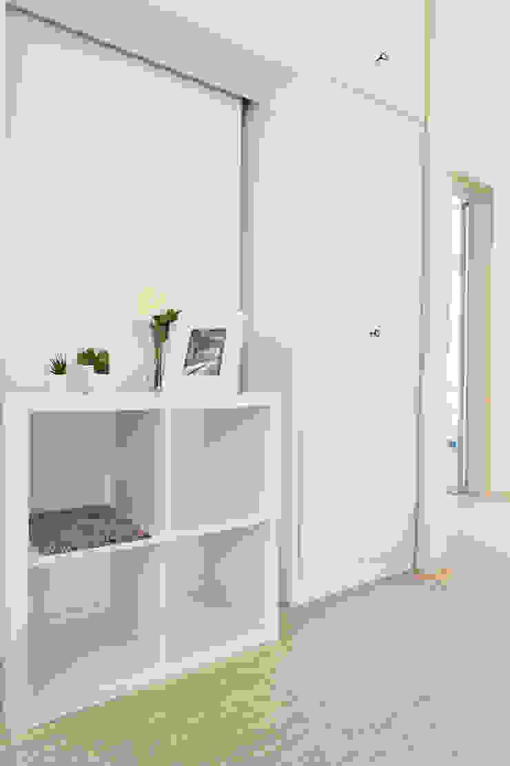 Mediterranean corridor, hallway & stairs by Francesca Greco - HOME|Philosophy Mediterranean
