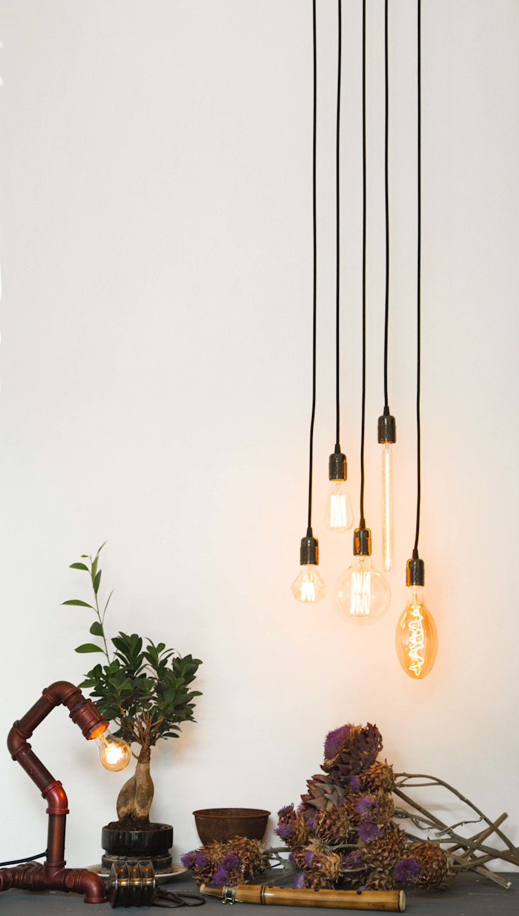 Vintage Industrial Filaments Light Bulbs - Console Table William and Watson 玄關、走廊與階梯照明