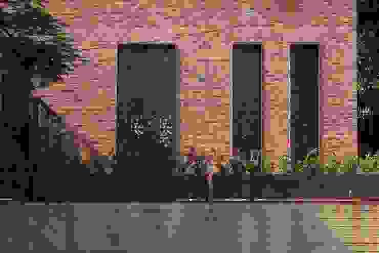 EGL 1916 Balcones y terrazas industriales de Alvaro Moragrega / arquitecto Industrial