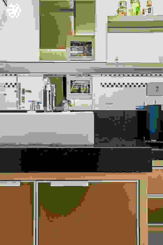 Apartamento C.A.A. Banheiros modernos por VITRAL arquitetura . interiores . iluminação Moderno