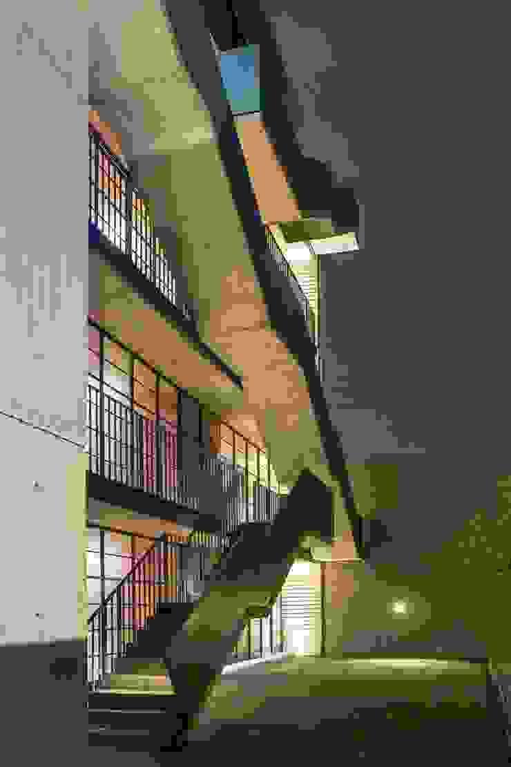 EGL 1916 Pasillos, vestíbulos y escaleras industriales de Alvaro Moragrega / arquitecto Industrial